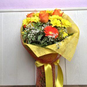 Bouquet di stagione nei colori del giallo